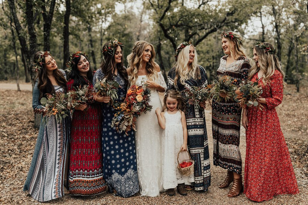 The wedding of Hannah and Ryan was a bohemian theme with beautiful summer colors and details.