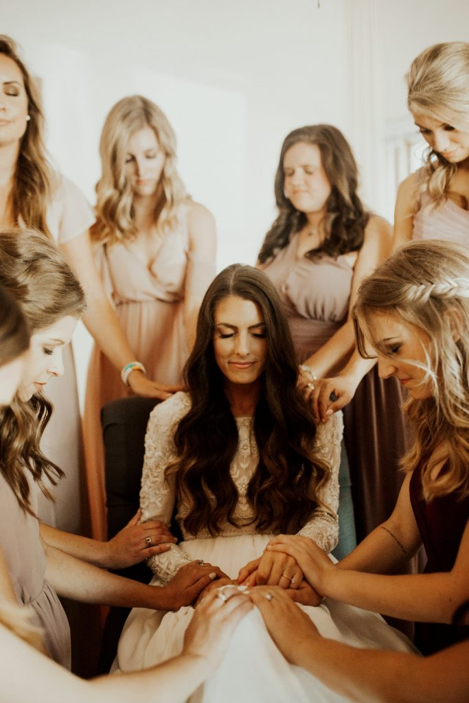 Shiloe and her bridesmaids get ready for her romantic rustic wedding