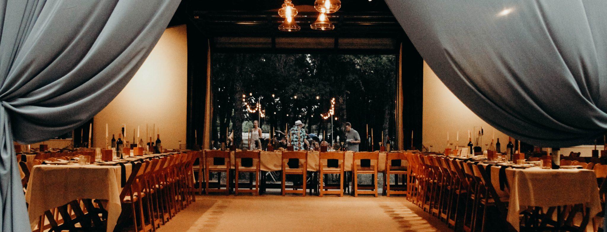 Rustic Barn wedding venue in DFW Texas